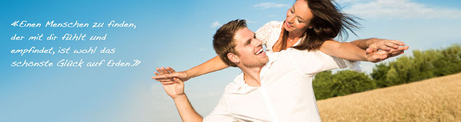 Wie flirten männer am arbeitsplatz lächeln